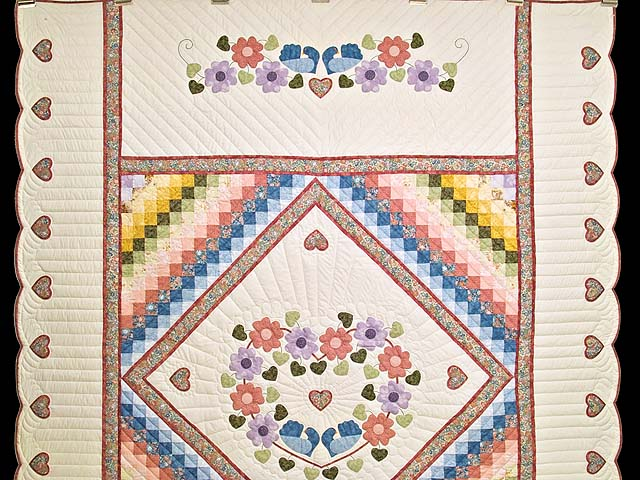 Pastels on Cream Sunshine Sweetheart Quilt Photo 2