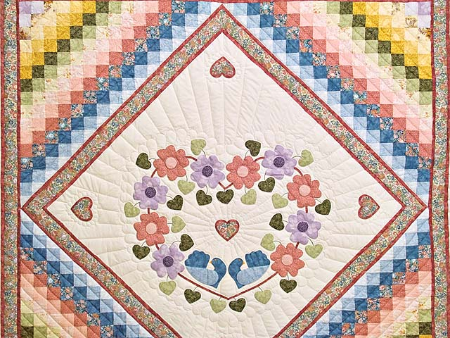Pastels on Cream Sunshine Sweetheart Quilt Photo 3