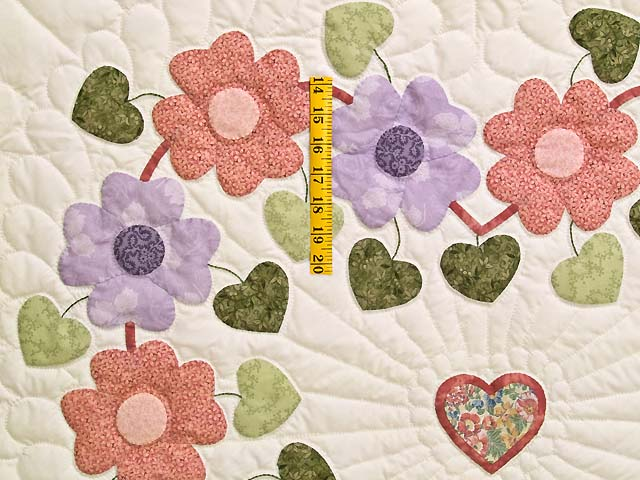 Pastels on Cream Sunshine Sweetheart Quilt Photo 4