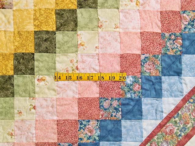 Pastels on Cream Sunshine Sweetheart Quilt Photo 6