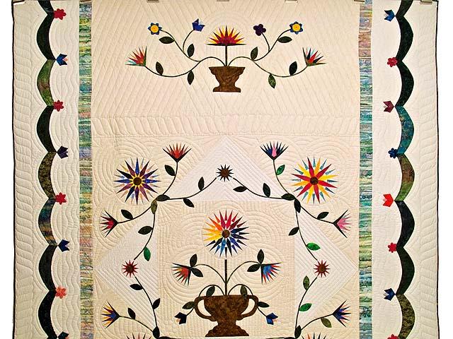 Extraordinary Compass Gardens Applique Quilt Photo 2