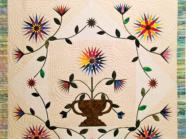 Extraordinary Compass Gardens Applique Quilt Photo 3