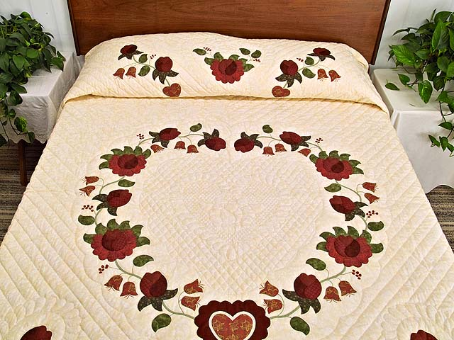 Red  and Gold Heart of Roses Quilt Photo 1