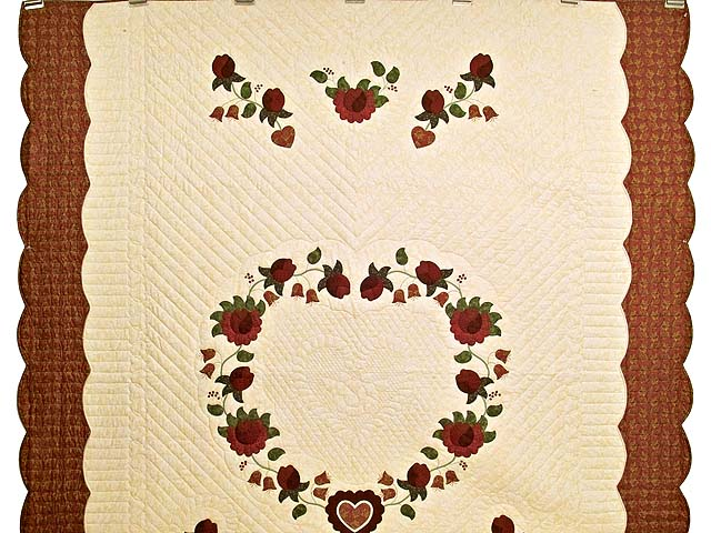 Red  and Gold Heart of Roses Quilt Photo 2