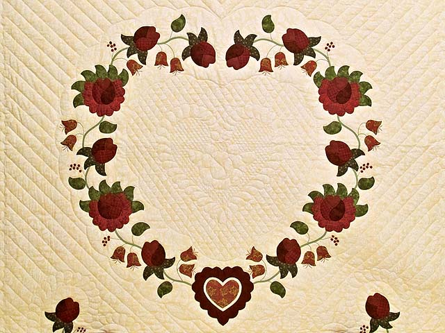 Red  and Gold Heart of Roses Quilt Photo 3