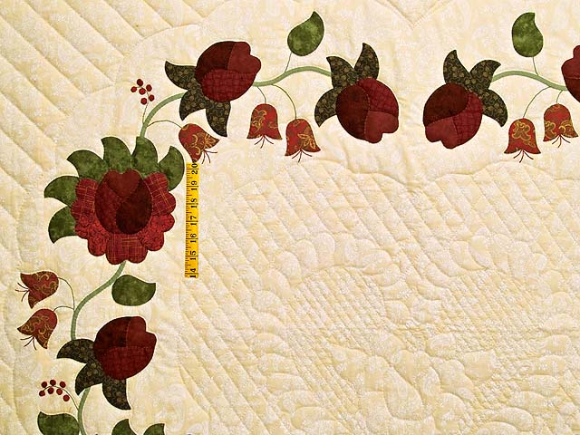 Red  and Gold Heart of Roses Quilt Photo 4