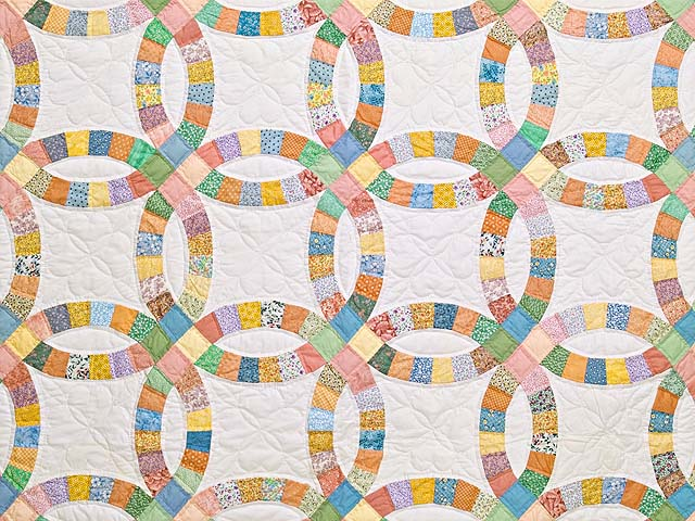 King Pastel Extra Fine Double Wedding Ring Quilt Photo 3