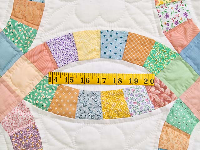 King Pastel Extra Fine Double Wedding Ring Quilt Photo 5