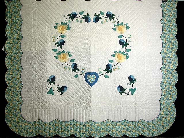 Blue and Yellow Heart of Roses Quilt Photo 3