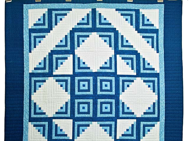 Blue and Cream Log Cabin Star Quilt Photo 2