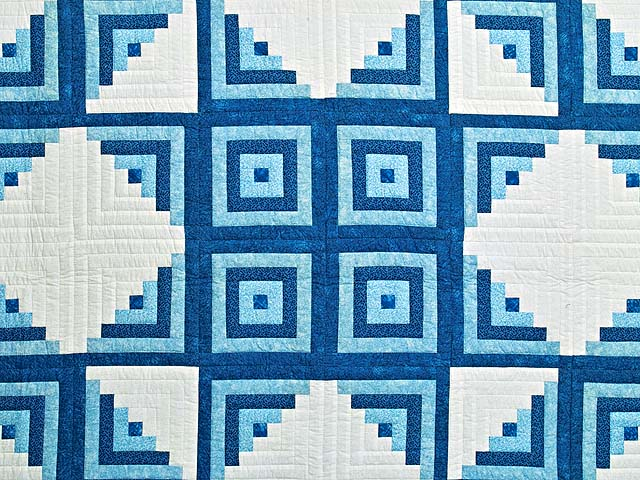 Blue and Cream Log Cabin Star Quilt Photo 3