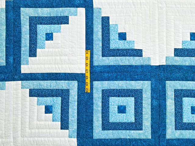 Blue and Cream Log Cabin Star Quilt Photo 4