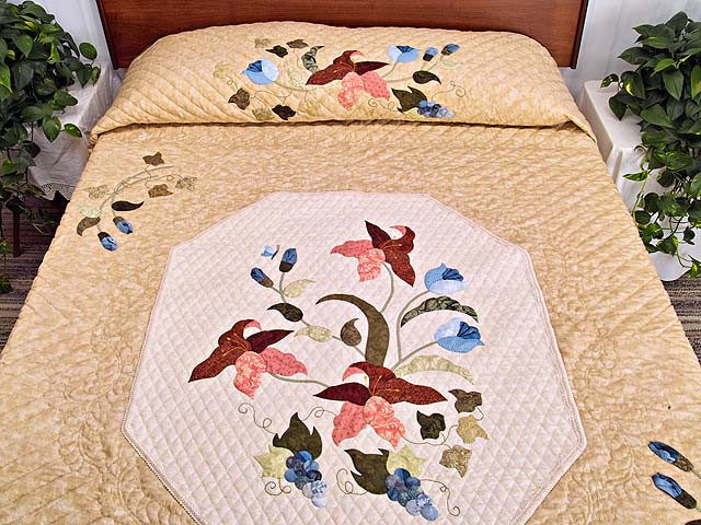 King Moss Coral and Blue Petal Showcase Quilt Photo 1