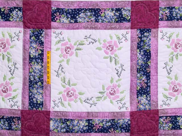 Mauve Floral Cross Stitch Quilt Photo 4