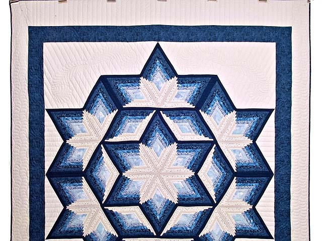 Blue and Cream Diamond Star Log Cabin Quilt Photo 2