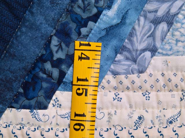Blue and Cream Diamond Star Log Cabin Quilt Photo 6