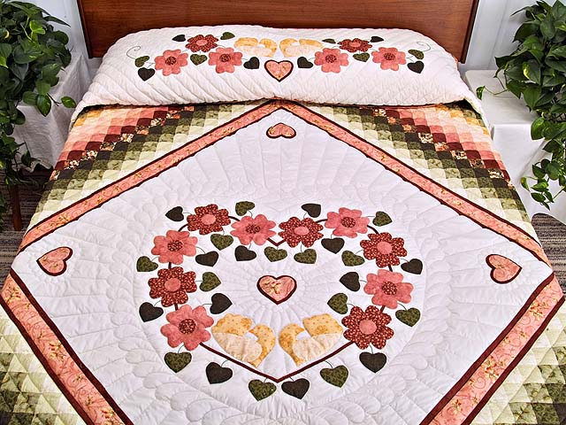 King Rose Gold and Green Sunshine Sweetheart Quilt Photo 1