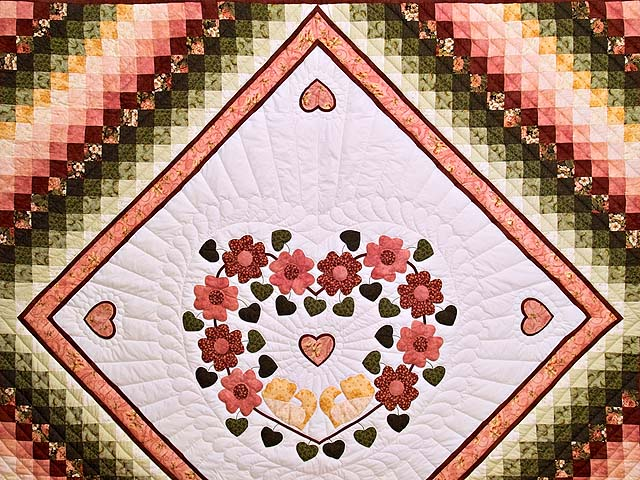 King Rose Gold and Green Sunshine Sweetheart Quilt Photo 3