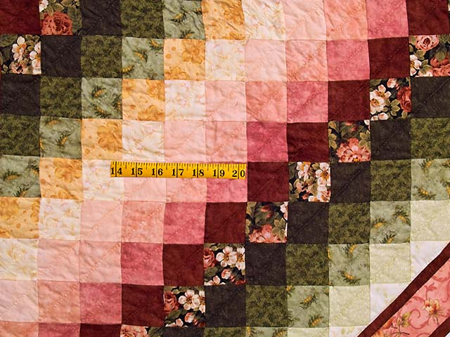 King Rose Gold and Green Sunshine Sweetheart Quilt Photo 6