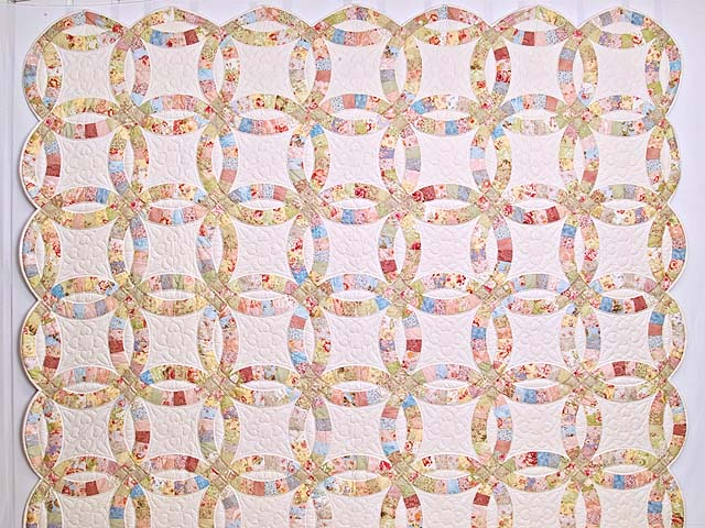 Antique Pastels Double Wedding Ring Quilt Photo 2