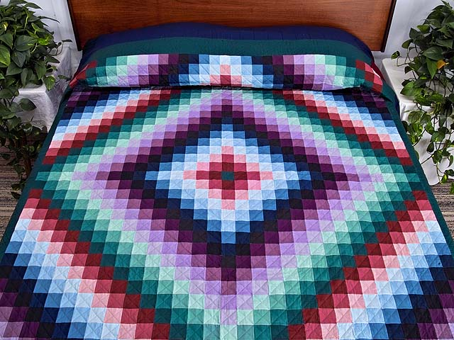 Extra Fine Amish Sunshine And Shadow Quilt