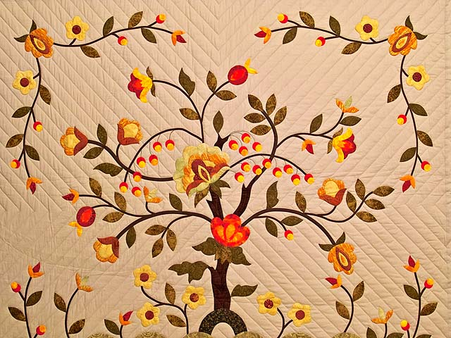 Sunset Tree of Life Appliqué Quilt Photo 3