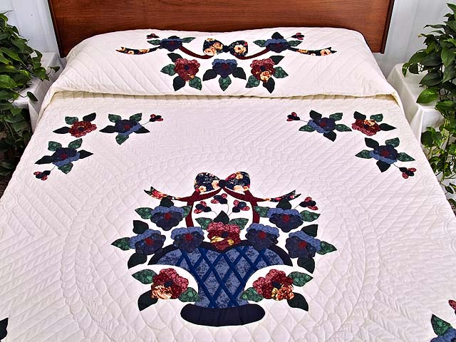 Applique Pansy Basket Quilt Photo 1