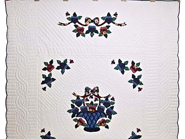 Applique Pansy Basket Quilt Photo 2