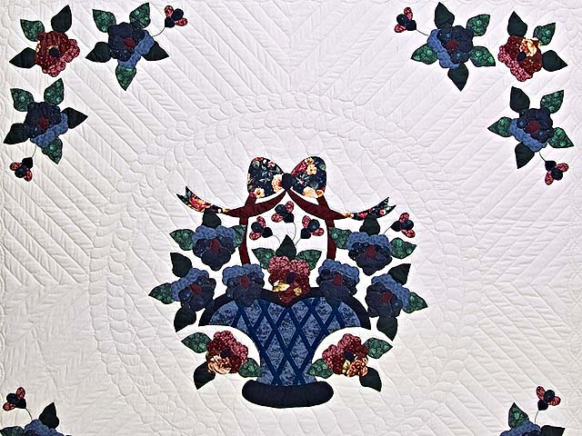 Applique Pansy Basket Quilt Photo 3