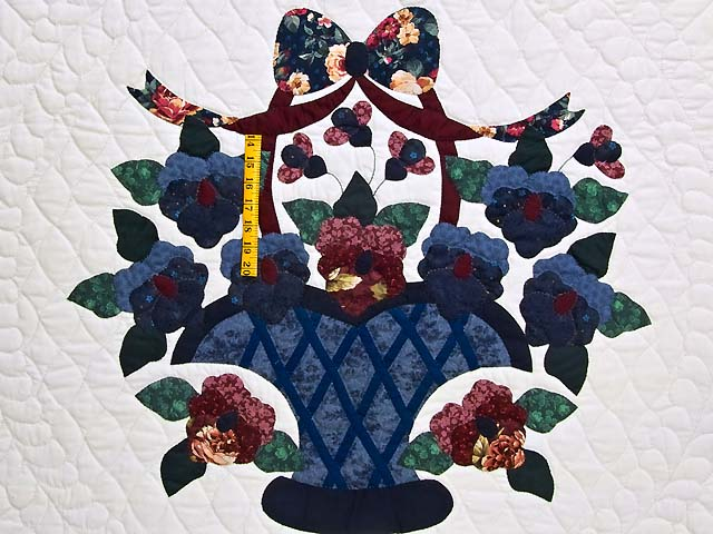 Applique Pansy Basket Quilt Photo 4