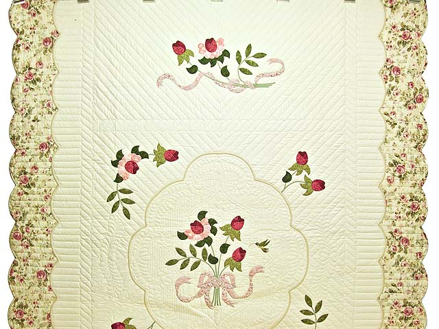 Red Roses on Cream Lancaster Treasures Quilt Photo 2