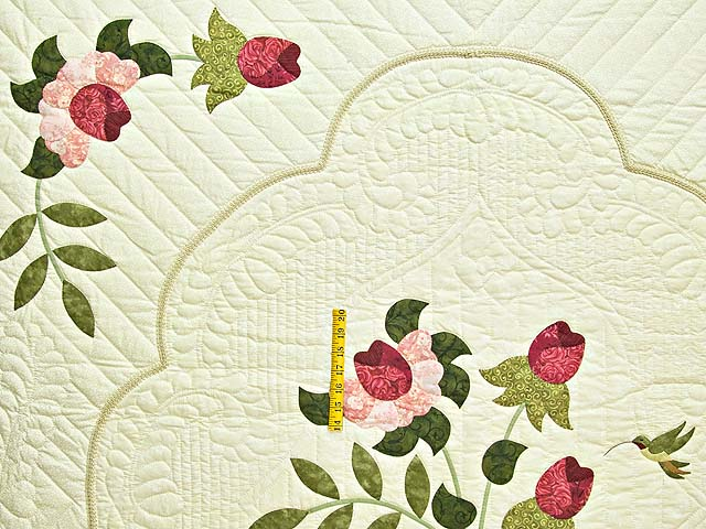 Red Roses on Cream Lancaster Treasures Quilt Photo 4