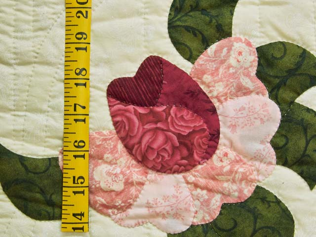 Red Roses on Cream Lancaster Treasures Quilt Photo 6