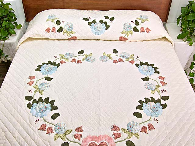 King Powder Blue Pink and Rose Heart of Roses Quilt Photo 1