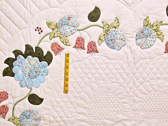 King Powder Blue Pink and Rose Heart of Roses Quilt Photo 4