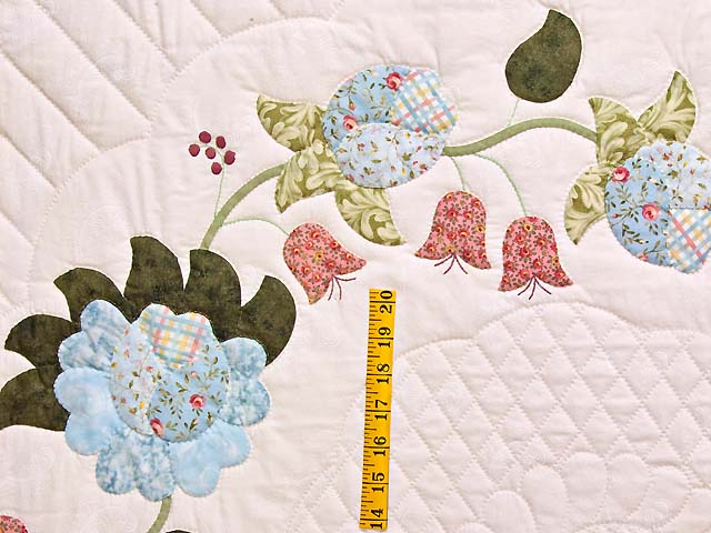 King Powder Blue Pink and Rose Heart of Roses Quilt Photo 5
