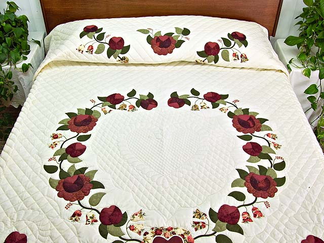 Burgundy and Green Heart of Roses Quilt Photo 1