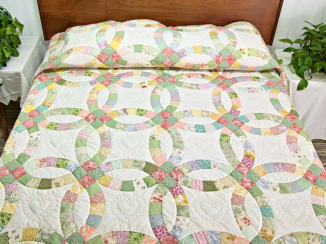 Pastel Double Wedding Ring Quilt Photo 1