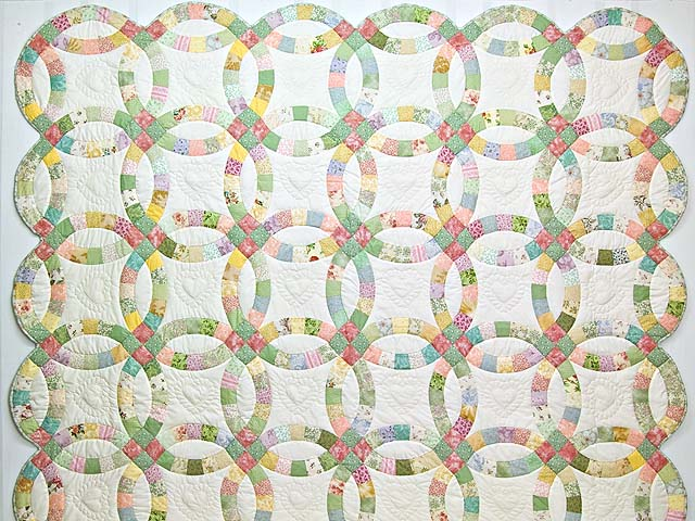 Pastel Double Wedding Ring Quilt Photo 2