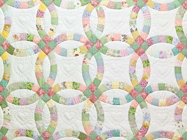 Pastel Double Wedding Ring Quilt Photo 3