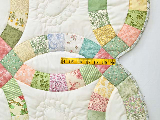 Pastel Double Wedding Ring Quilt Photo 7