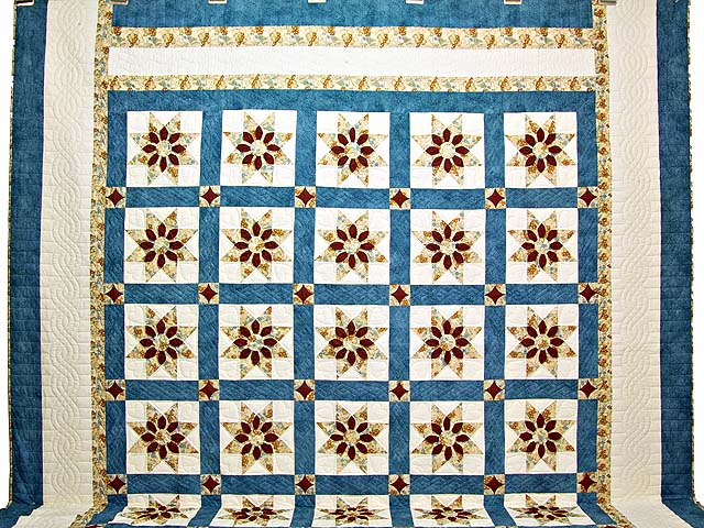 King Blue and Dark Burgundy Dahlia Star Quilt Photo 2