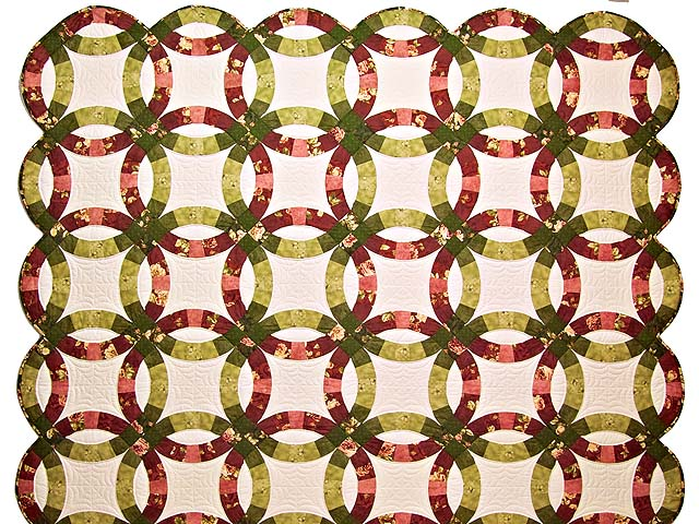 Red and Moss Green Double Wedding Ring Quilt Photo 2