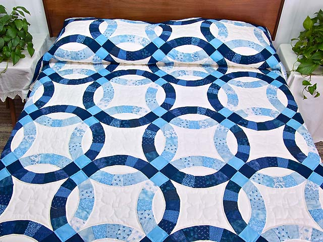 Double Wedding Ring Quilt gorgeous cleverly made Amish Quilts