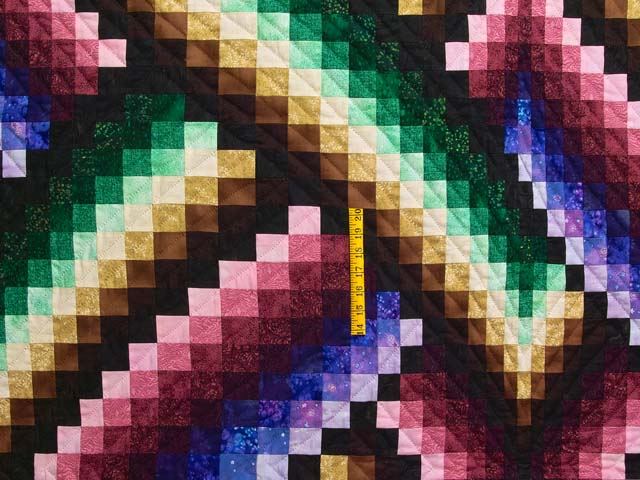 Almost Amish Bargello Links Quilt Photo 4