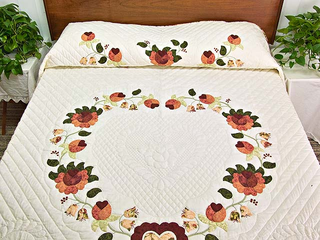 Salmon Heart of Roses Quilt Photo 1