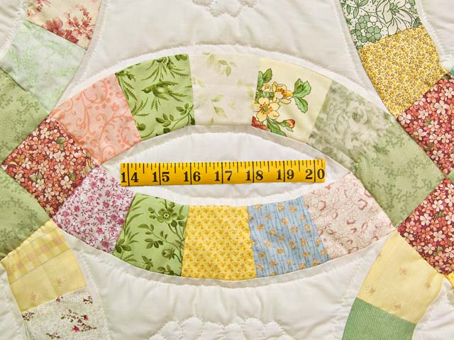 Pastel Double Wedding Ring Quilt Photo 5
