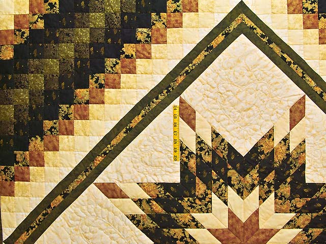 Gold Black and Moss Lone Star Trip Quilt Photo 4
