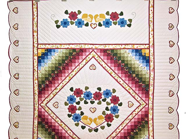 Rose and Multicolor Sunshine Sweetheart Quilt Photo 2