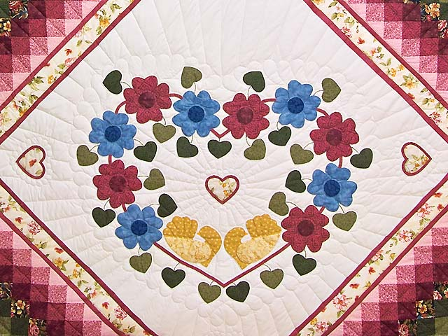 Rose and Multicolor Sunshine Sweetheart Quilt Photo 3